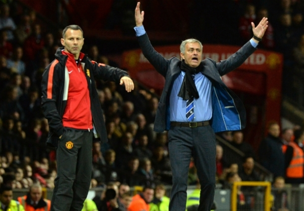 Jose Mourinho Siap Jika Diminta Latih Manchester United