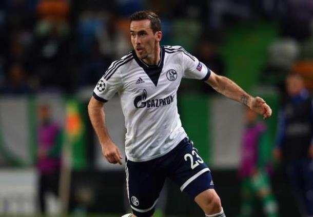 Swansea City Segera Gaet Christian Fuchs