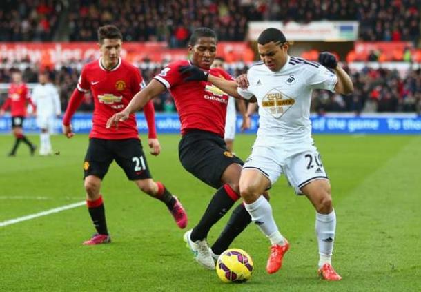 Paul Merson Unggulkan Swansea Daripada Manchester United