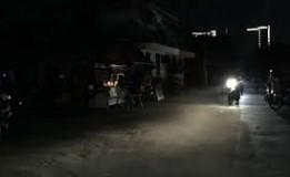 Sebagian Wilayah Lombok Masih Gelap Jelang Malam Hari