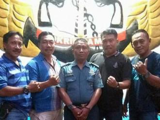 TNI AL Gadungan Ditangkap Karena Nongkrong di Warung Berpakaian Dinas
