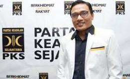 PKS Menyebutkan Visi-Misi Prabowo Tak Bunyi Sebab Di Potong Politik 'Genderuwo' Jokowi