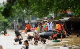Hujan Lebat Yang Mengguyur Lokasi di Jakarta Timur Terendam Banjir