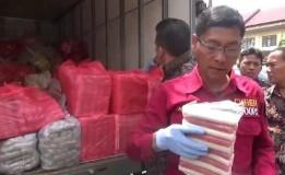 Polisi Amankan Mobil Boks Bermuatan Makanan Beku di Pasuruan