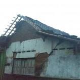 Sleman Dilanda Angin Kencang, Belasan Atap Rumah Warga Rusak